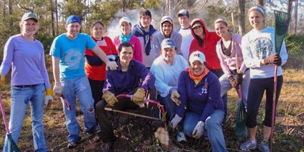 student volunteering in the community